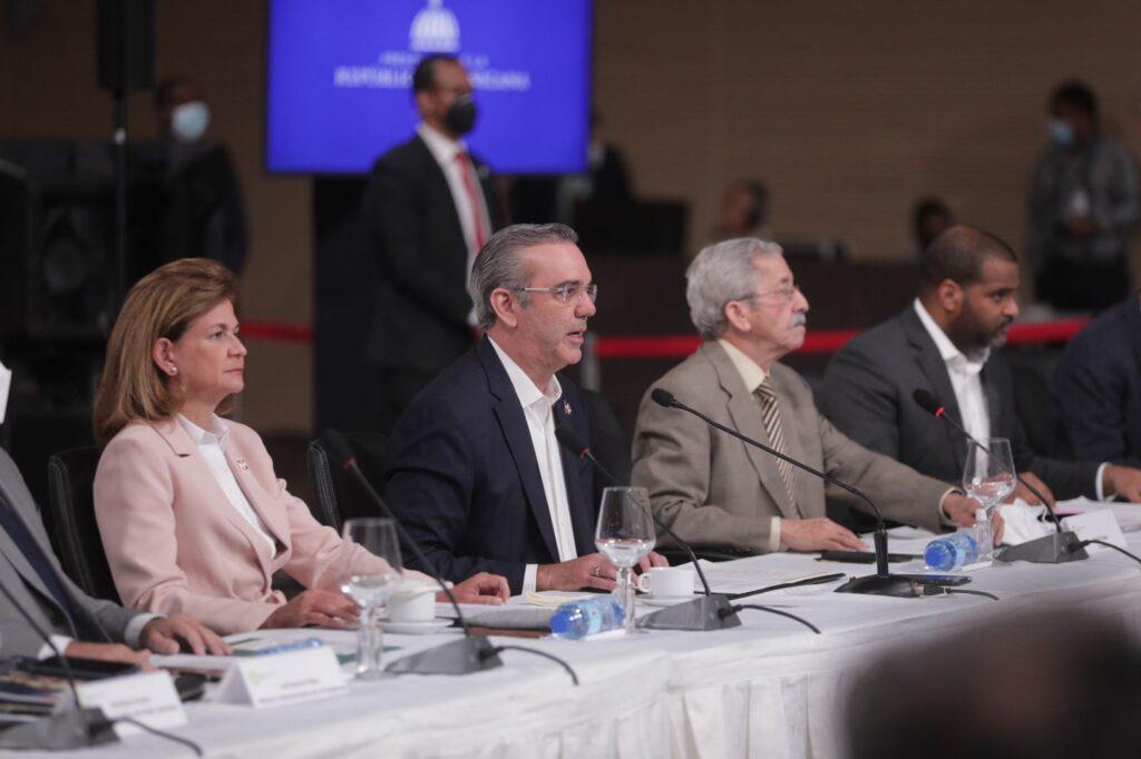 Abinader propone en Diálogo Nacional reforma a la Constitución para transformar la justicia
