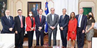 Presidente Abinader recibe al vicepresidente del Banco Mundial Carlos Felipe Jaramillo